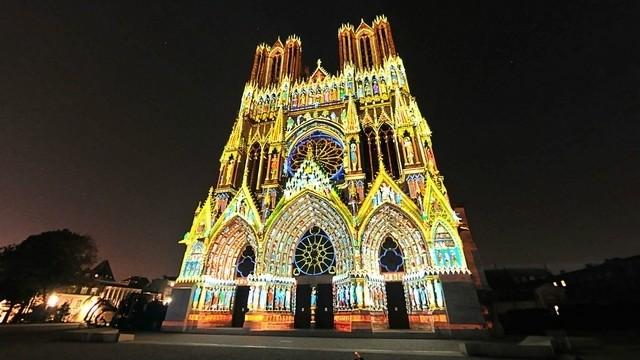 kathedraal-reims-verlicht