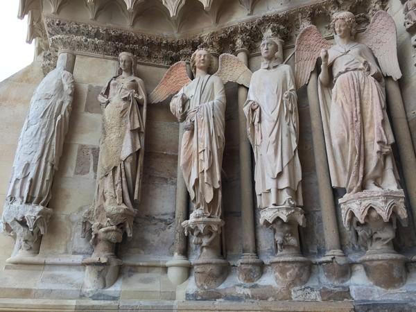 beelden-kathedraal-reims