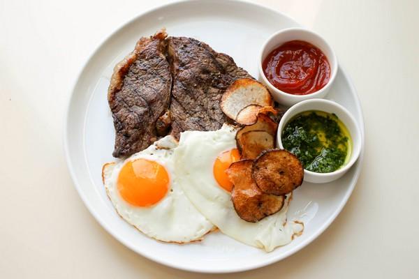 steak-and-eggs-1