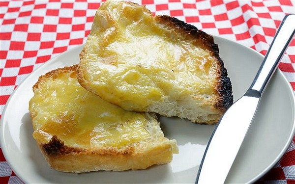 Welsh Rarebit – toast met kaas en bier!